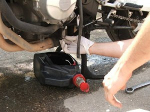 Яке масло заливати в мотоцикл