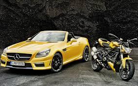 Машина и мотоцикл